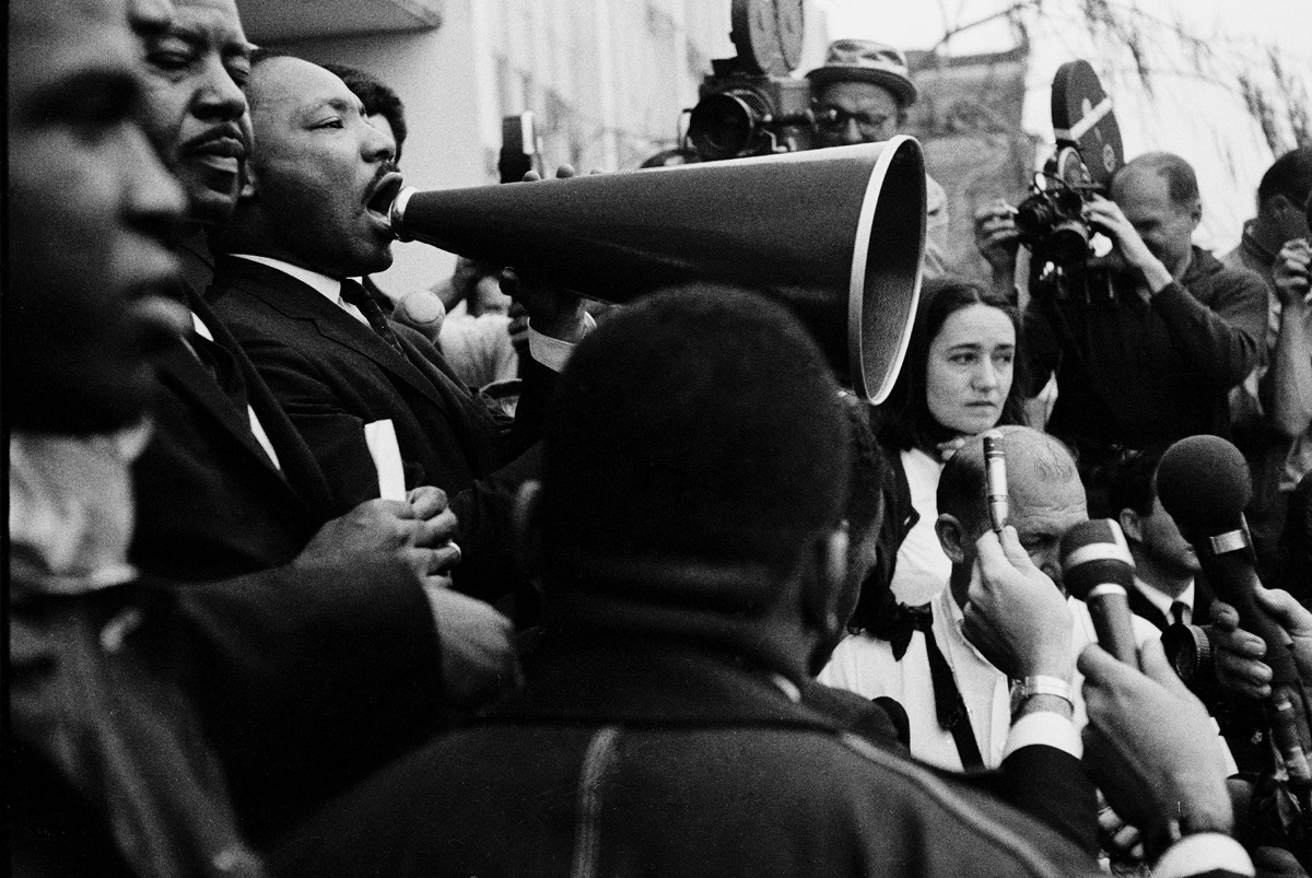 Martin Luther King Jnr King address Civil Rights rally © Steve Schapiro